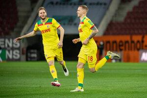 Ondrej Duda sa teší z gólu do siete Augsburgu.