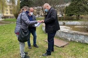 Projekt k obnove parku pri nemocnici pripravujú.