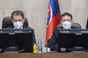 Minister financií Igor Matovič a premiér a exminister financií Eduard Heger.