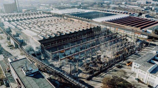 NORTH GATE: Aktuálne prebiehajúca rekonštrukcia haly T42 – Veľká Obrobňa.