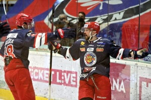 Hokejisti Zvolena sa tešia zo streleného gólu.