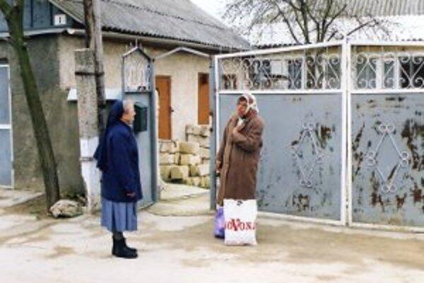 Táto bezdomovkyňa tiež potrebovala pomoc misijných sestričiek.