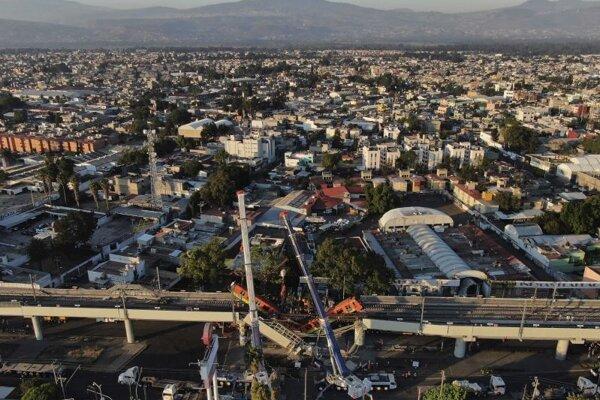 Pohľad na Mexiko City a nehodu vlaku zo 4. mája 2021.