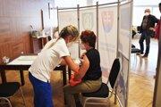 V priestoroch kultúrneho domu v Cinobani sa očkovalo.