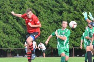 Lukášovi Čiljakovi (v červenom) pribudli okrem hráčskych povinností aj trénerské.