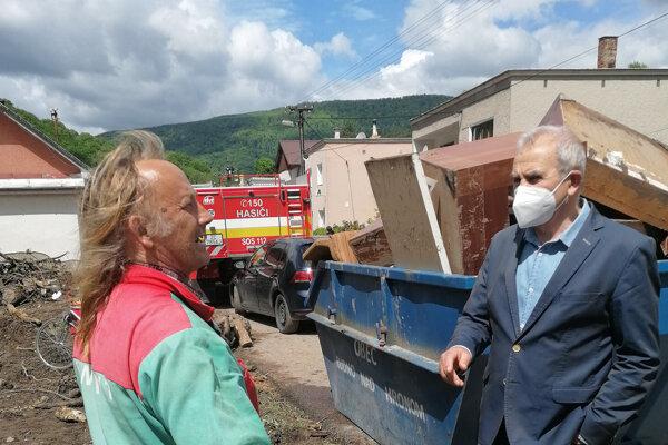 Ján Lunter ponúkol pre obyvateľov a záchranné zložky v Rudne nad Hronom krízové ubytovanie.