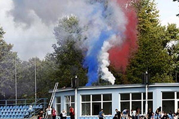 Slovenská trikolóra na štadióne FC Nitra.