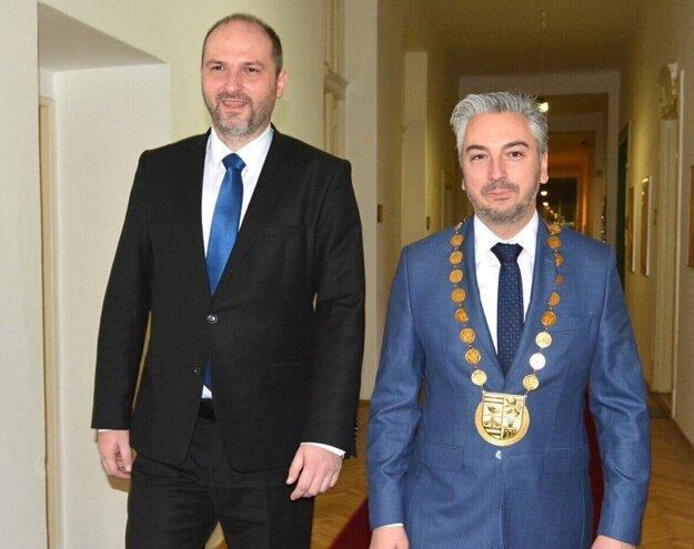 Za spoločný stôl si košický primátor Jaroslav Polaček a župan Rastislav Trnka tak skoro nesadnú.