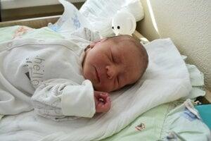 Šimon Vavrík (3080 g, 49 cm) sa narodil 16. mája Bibiane a Tomášovi z Ilavy.