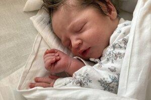 Eliška Hrdinová (3540 g, 52 cm) sa narodila 6. mája Michaele a Pavlovi z Trenčianskej Turnej.