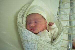 Michaela Jakušová (2870 g, 48 cm) sa narodila 17. mája Nikole a Tomášovi z Melčíc-Lieskového.