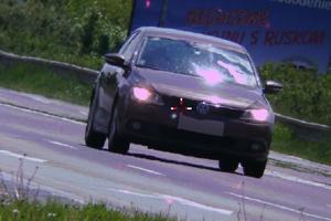 Vodiča tohto vozidla vyšlo prekročenie povolenej rýchlosti draho.