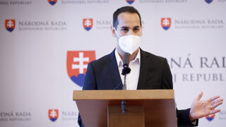 Herák prehovoril o svojom obvinení, na otázky novinárov neodpovedal