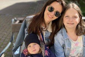 Nikola Žoldáková je v súčasnosti na materskej, práca v škôlke ju však veľmi baví.