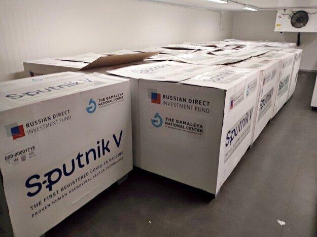 Vakcína Sputnik V je naďalej uskladnená v Šarišských Michaľanoch.