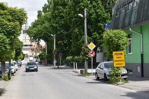Zákaz odbočenia na ulicu Tarasa Ševčenka, ktorá je po novom jednosmerná.