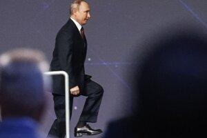 Ruský prezident Vladimir Putin na medzinárodnom ekonomickom fóre v Petrohrade.