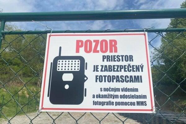 Kompostovisko v Mýtnej chránia aj fotopasce.