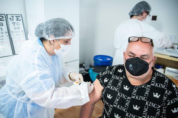 Očkovanie ruskou vakcínou Sputnik V.
