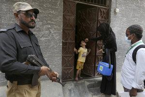 Očkovanie proti detskej obrne v pakistanskom Karáčí.