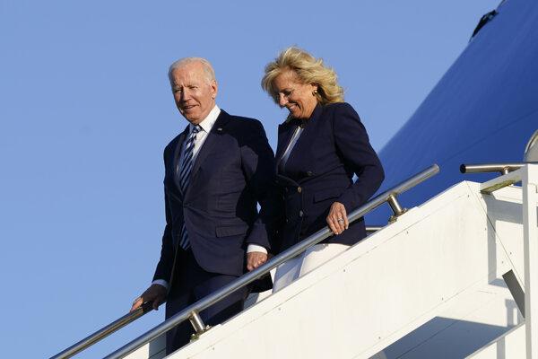 Biden priletel do Británie.