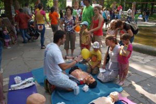 Deti sa mohli naučiť základom prvej pomoci.