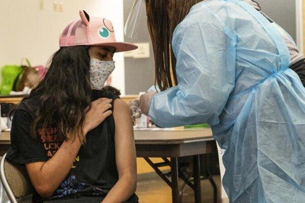 Znížiť regionálne rozdiely v očkovaní môže aj otvorenie čakárne pre deti nad 12 rokov. Čaká ich v nej už vyše desaťtisíc.