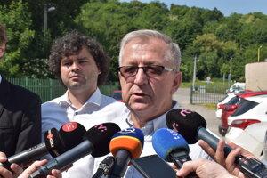 Bývalý futbalista, tréner a poslanec Mikuláš Komanický (Smer-SD).