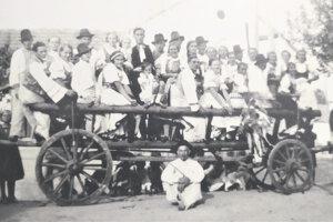 Dožinkové slávnosti v Bánove v roku 1936.