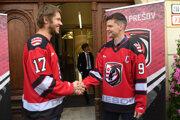 Historicky prvými hráčmi nového klubu HC 21 Prešov sa stali Ján Sýkora (vľavo) a Marek Zagrapan.