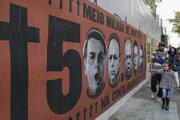 Mnohí Brazílčania vinia za vysoký počet obetí súvisiacich s ochorením Covid-19 práve prezidenta Jaira Bolsonara.