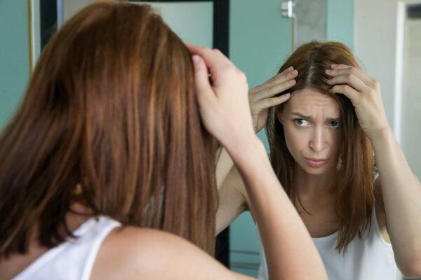 Vlas vyrastie v priebehu hodiny o zhruba jednu dvadsatinu milimetra.