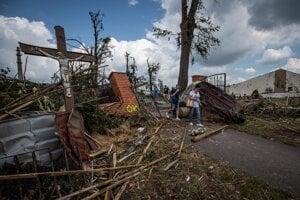 Situácia v obci Mikulčice na južnej Morave po silnej búrke a tornáde, ktoré región zasiahol vo štvrtok 24. júna 2021.