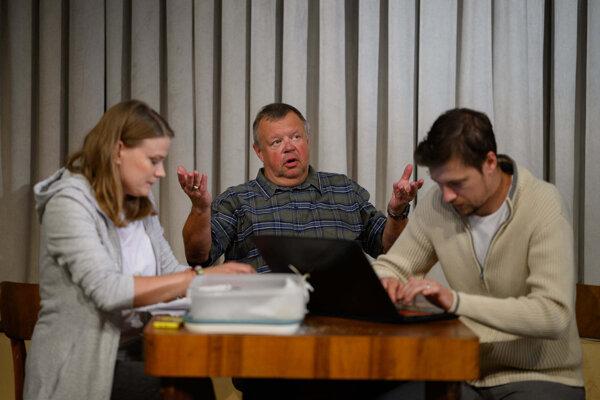 Ivan Vojtek sa predstaví v inscenácii Vlastníci, kde sa predstaví v postave bývalého predsedu SVB.