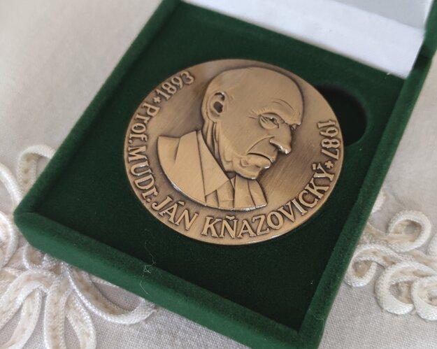 medaila profesora MUDr. Jána Kňazovického