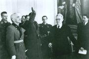 V priestoroch Matice slovenskej sa 16. marca 1942 hajluje pred tvárou Jozefa Cígera Hronského, matičiarov navštívili chorvátski ustašovci.