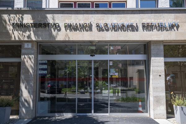 Budova ministerstva financií.