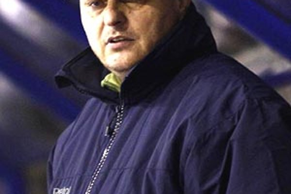 Dlhoročný tréner juniorov Ladislav Branikovič sa druhýkrát ocitol pri mužoch Nitry. V role hlavného kouča je to jeho premiéra.