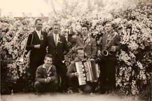 Hudobná skupina Valovíci.