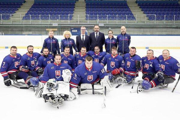 Slovenská reprezentácia v parahokeji má za sebou prvé majstrovstvá sveta medzi elitou.