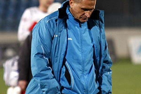 Sklamaný tréner Cyril Stachura.
