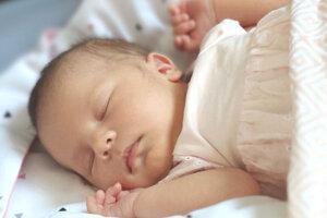 Paulína Mikle (4000 g a 50 cm) sa narodila 9. júna rodičom Annamárii a Mariánovi Mikleovcom zo Starého Tekova.
