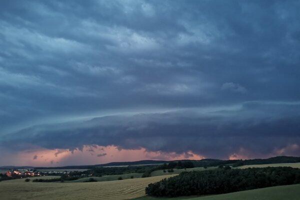 Niektoré búrky sú fotogenické, no spúšť po nich býva veľká.