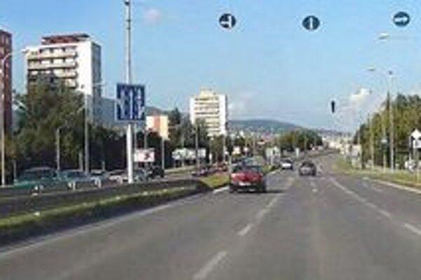 Cestu na Hviezdoslavovej začnú rekonštruovať už v pondelok.