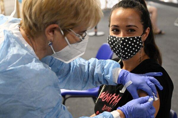 Očkovalo sa bez nutnosti registrácie vopred.