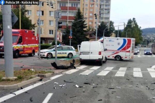 K nehode boli privolané všetky záchranné zložky.