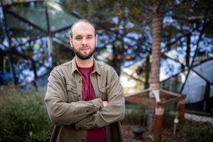 Jaroslav Chrapko, ktorý stojí za e-shopom Dedoles.