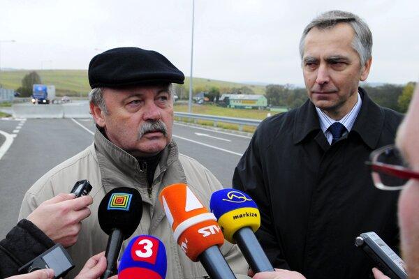 Ján Kotuľa (vľavo) na snímke z roku 2010 spolu s Jánom Figeľom.