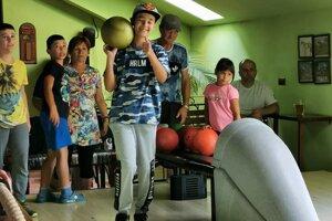 Členky Únie žien zBystričky zorganizovali akciu avybrali sa zahrať si bowling na miestny ranč.