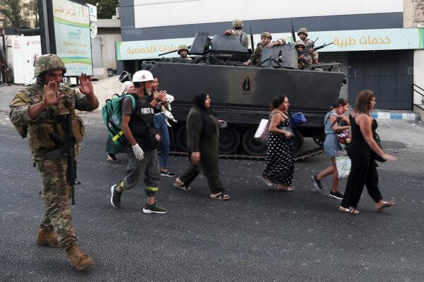 Armáda poslala do oblasti vojakov.